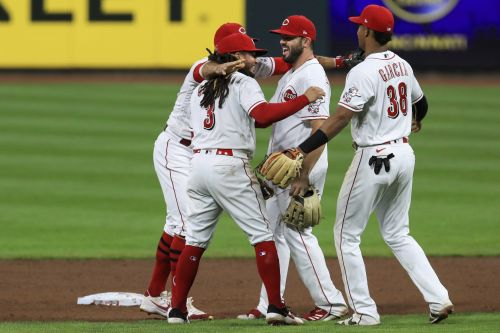 Castillo pitches Reds to 1-0 win, four-game sweep of Pirates