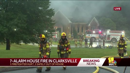 Firefighter injured in 7-alarm Clarksville fire