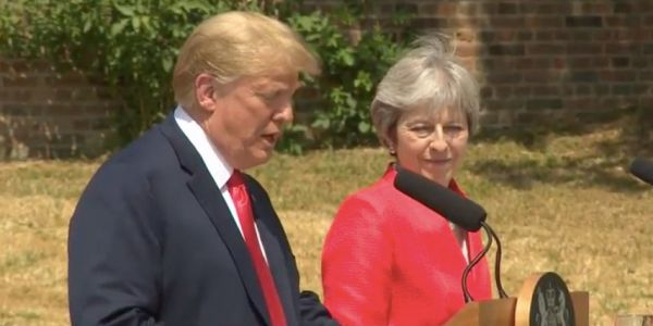 Trump says its 'fake news' that he criticised Theresa May's Brexit plans