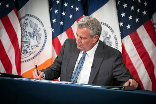 De Blasio signs COVID-relief bills for hotel workers and commercial tenants