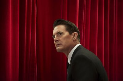 Review: 'Twin Peaks' returns to TV, frozen in time
