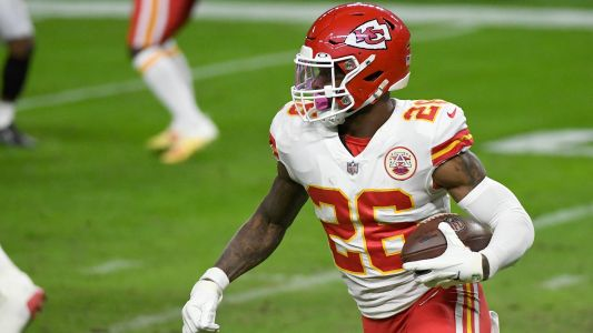 Why isn't Le'Veon Bell playing more? Chiefs' RB depth chart favors Clyde Edwards-Helaire, Darrel Williams