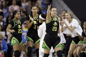 Ionescu adds milestone as No. 3 Oregon beats No. 7 UCLA