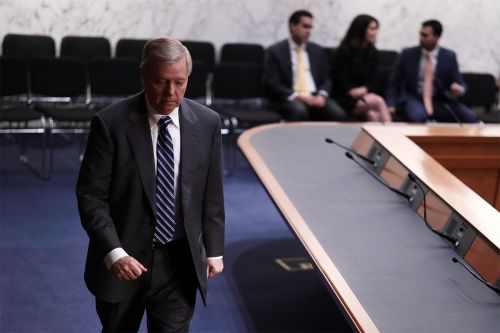 Graham: I 'support' Trump emergency declaration