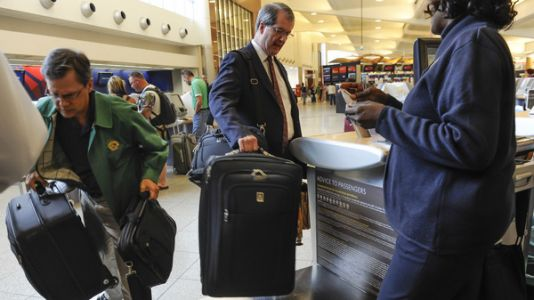DOT Suspends Proposed Rule That Would Force Airlines To Show Baggage Fee At Booking