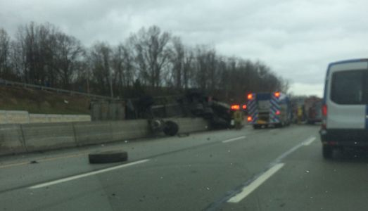 Tractor-trailer rollover crash shuts down eastbound Pennsylvania Turnpike in Westmoreland County