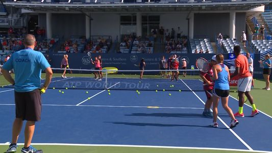 Second day of qualifiers brings big crowds to the Western and Southern Open