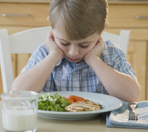 Kid calls 911 twice to tell police he hates his salad