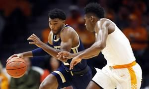 No. 5 Tennessee clamps down on defense to beat Georgia Tech