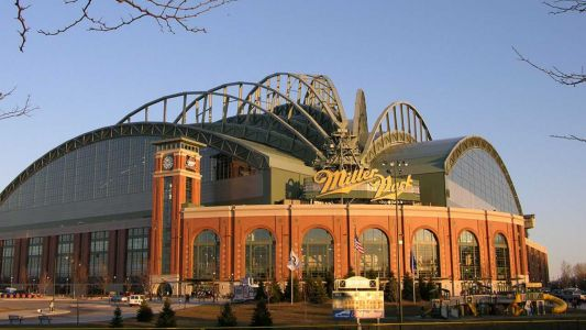 New report pegs economic impact of Miller Park at $2.5B