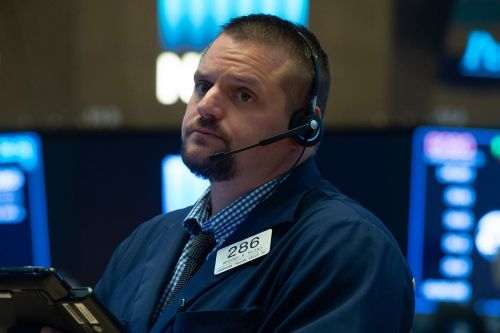 Wall Street sees rough day as tech sell-off drags markets