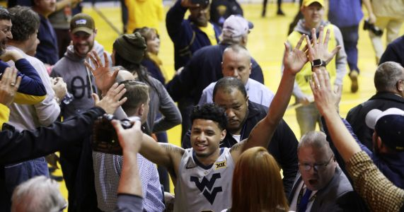 Haley's layup lifts West Virginia over No. 7 Kansas 65-64