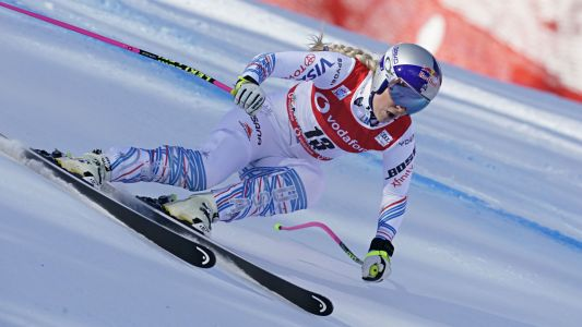 Record-chasing Lindsey Vonn 15th in World Cup return