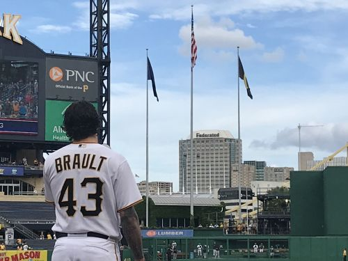 Pirates pitcher Steven Brault pauses pitching to sing national anthem