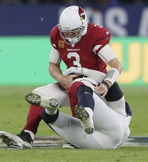 Carson Palmer out with broken left arm, needs surgery