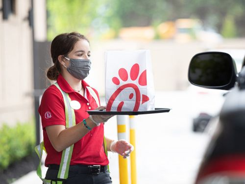 7 fast-food chains that are thriving in the pandemic