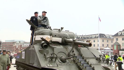 WWII tank ace takes nostalgic ride through streets of Boston