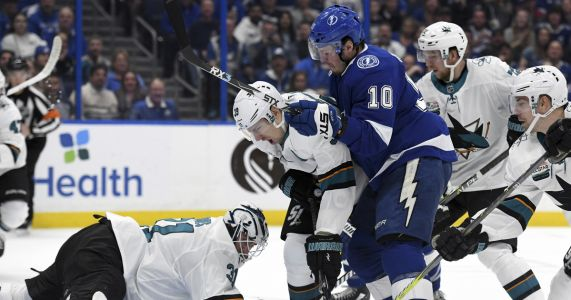 Stamkos scores twice, leads Lightning past Sharks 6-3