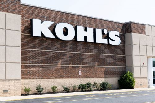 Kohl's cuts profit estimates, sending its shares tumbling