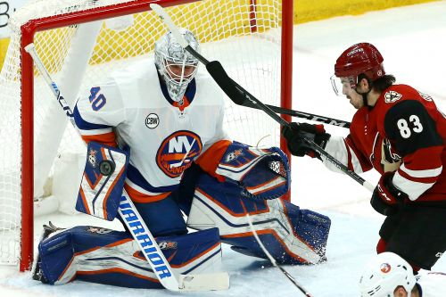 Robin Lehner dominates as Islanders snag another road win