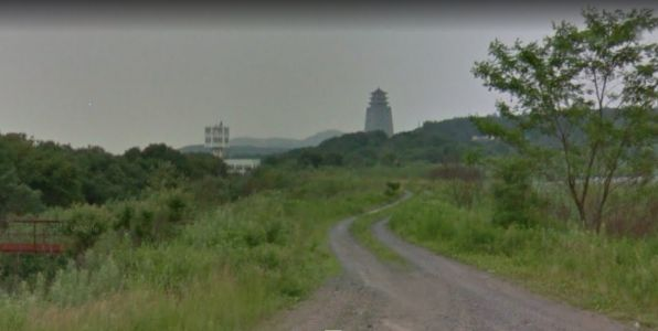 Russia and North Korea have a tiny shared border, which Kim Jong Un just crossed - and you can take a look around on Google Maps