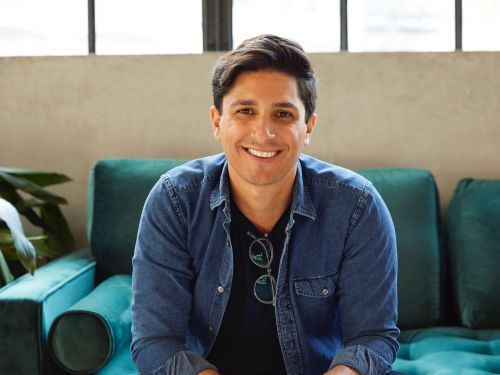 $1.6 billion health startup Hims and Hers just went public 3 years after launching. We got an inside look at the founder's journey including why he chose a SPAC and the challenges he faced