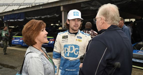 Fresh off win, Blaney tries to move in NASCAR title hunt