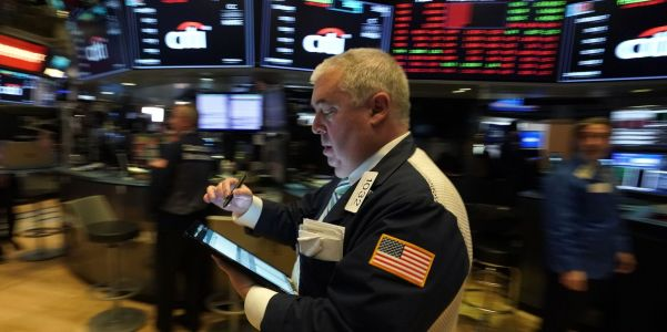 US stocks gain as investors await a flood of earnings reports