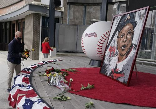 Ron Cook: Let's remember Hank Aaron for how he won off the field