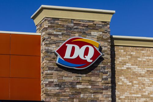 Man runs from police, abandons daughter at Dairy Queen