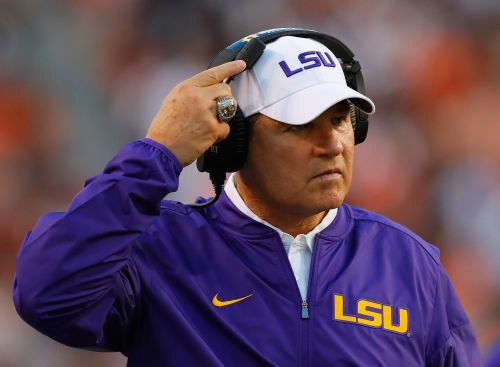 Kansas, former LSU coach Les Miles finalizing deal, report says