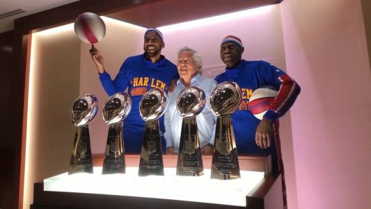 Harlem Globetrotters turn Gillette Stadium into personal playground
