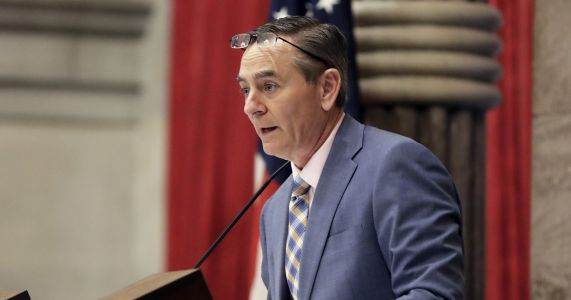 Questions remain as Tennessee speaker promises to resign