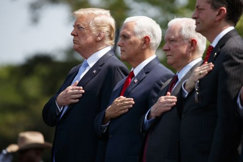 Trump: NFL players who kneel during national anthem maybe 'shouldn't be in the country'