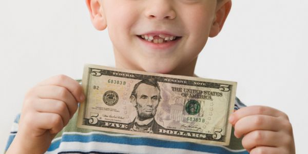This is how much kids are getting from the tooth fairy these days