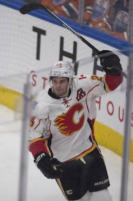 'Doing everything right': Calgary Flames' Sean Monahan learning to play a well-rounded game