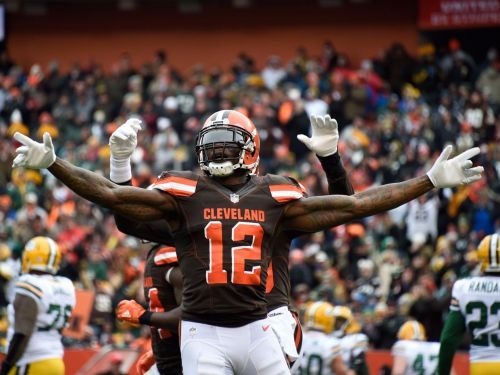 Josh Gordon scores first touchdown for Browns since return to NFL, and promptly dons sunglasses