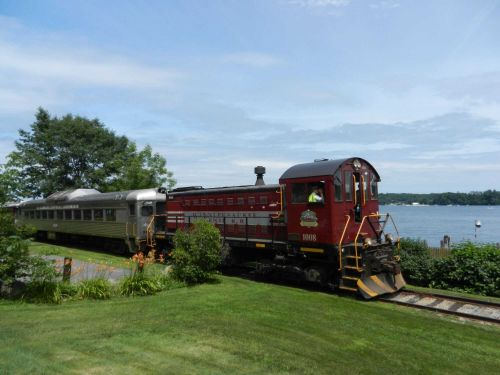 2 scenic New England railroads begin rides this weekend