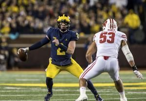 Mobile Shea Patterson learning on the run for No. 6 Michigan