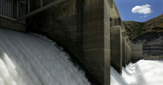 Changes to dams on Columbia, Snake rivers to benefit salmon, hydropower and orcas
