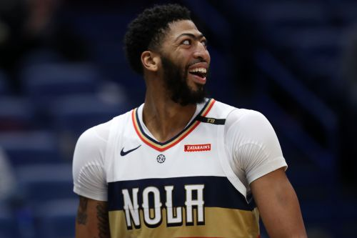 Pelicans trade Anthony Davis to Lakers for monster haul