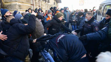 Protesters detained at rallies in support of arrested opposition figure Alexey Navalny in Russia's Far East & Siberia