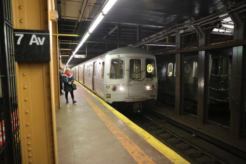 MTA saddles Q train riders with old subway cars to prep for new signal system