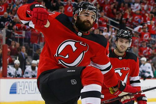 Devils remain perfect behind veteran goal-scoring machine