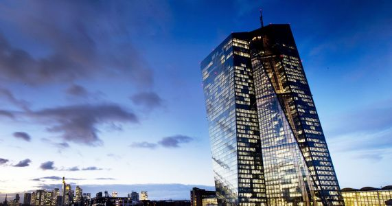 European Central Bank to end stimulus despite growth worries