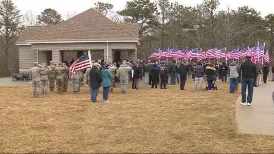 150 people honor Air Force veteran without family