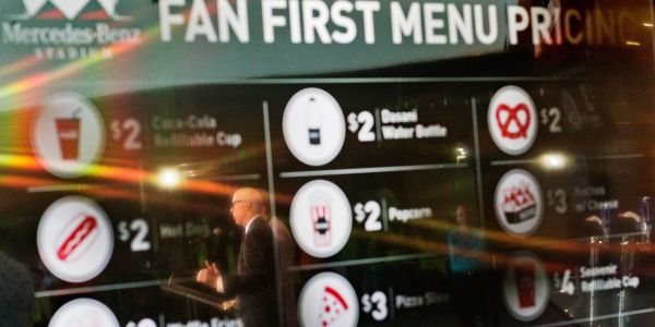 Food and concessions at this year's Super Bowl will be ridiculously cheap compared to other recent games