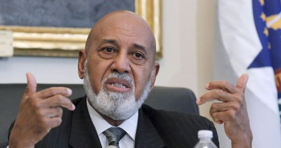 Florida Congressman Hastings says he has cancer