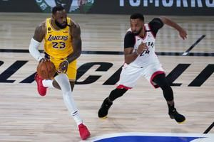 Lowry scores 33 as Raptors cruise past Lakers