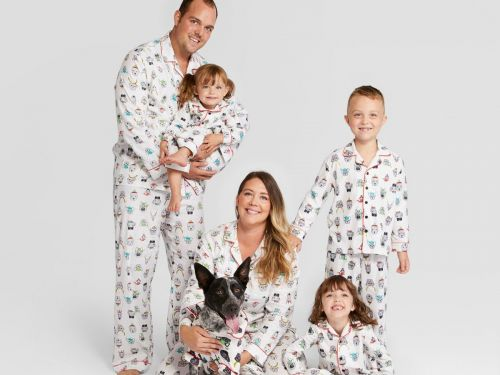 23 matching holiday pajama sets for the whole family